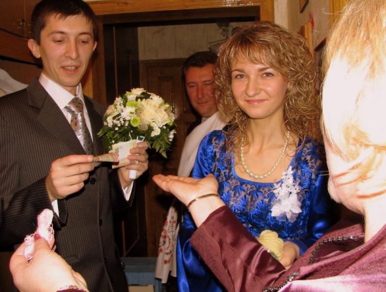 нивестку ибут на свадбе