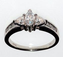 Обручальное кольцо для девушки